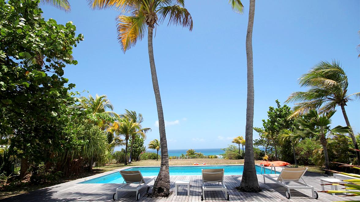 Piscine privée avec vue mer - Villa Caraïbes - Location de villas et maisons en Guadeloupe - www.villacaraibes.fr