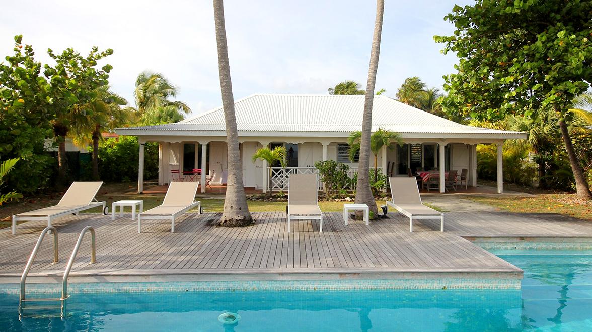 Villa Caraïbes côté jardin et mer - Villa Caraïbes - Location de villas et maisons en Guadeloupe - www.villacaraibes.fr