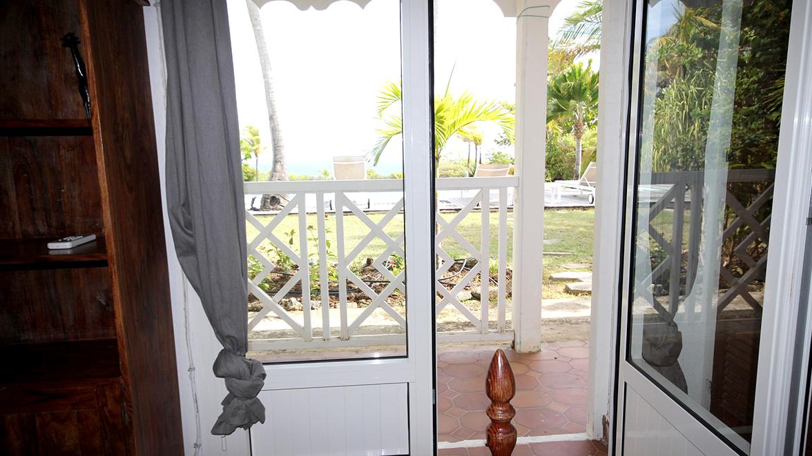 Chambre Atlantique avec vue sur la mer - Villa Caraïbes - Location de villas et maisons en Guadeloupe - www.villacaraibes.fr