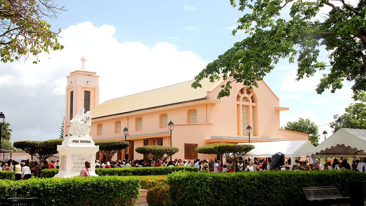 Eglise de St François - Villas Caraïbes - Location de villas et maisons en Guadeloupe - www.villacaraibes.fr