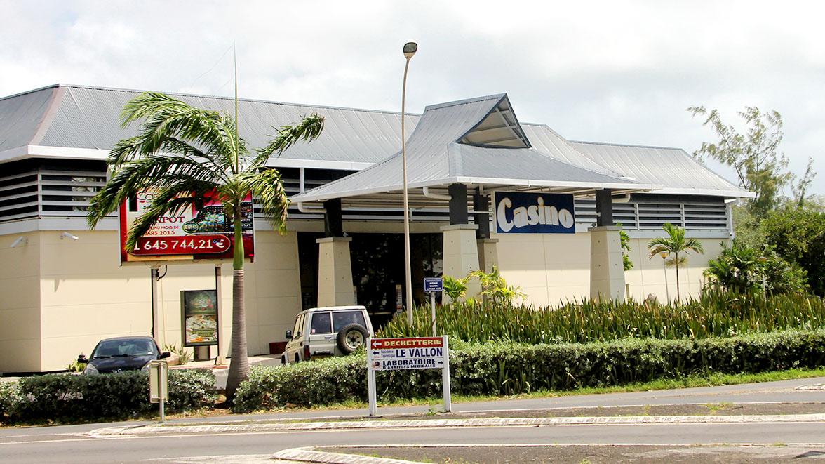 Casino de St-François - Villas Caraïbes - Location de villas et maisons en Guadeloupe - www.villacaraibes.fr