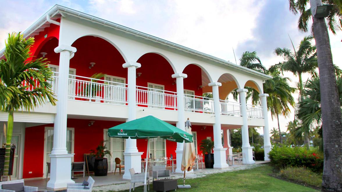 Golf de St- François - Villas Caraïbes - Location de villas et maisons en Guadeloupe - www.villacaraibes.fr
