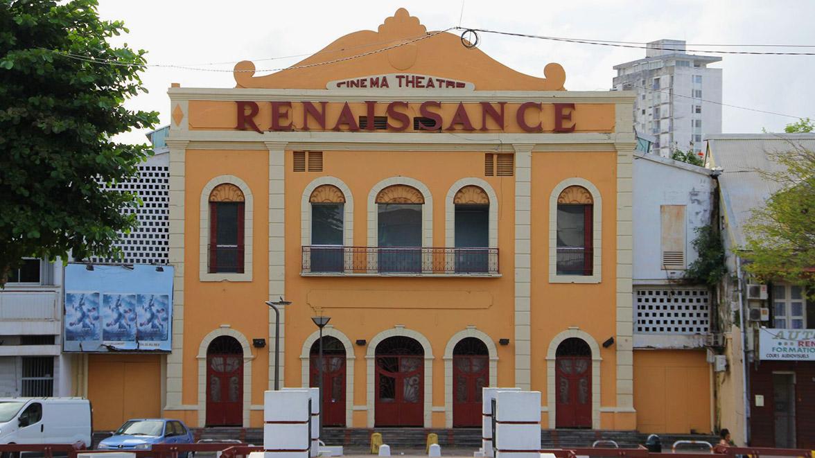 Théâtre à Point à pitre - Villas Caraïbes - Location de villas et maisons en Guadeloupe - www.villacaraibes.fr