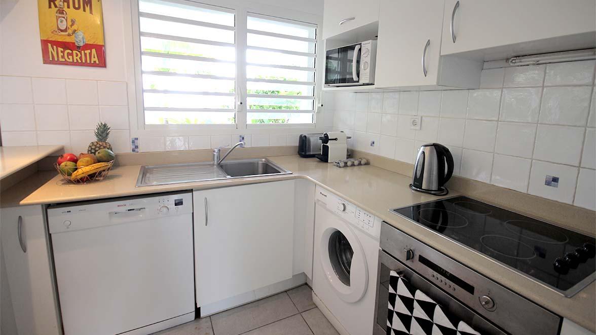 Cuisine équipée - Villa Caraïbes - Location de villas et maisons en Guadeloupe - www.villacaraibes.fr