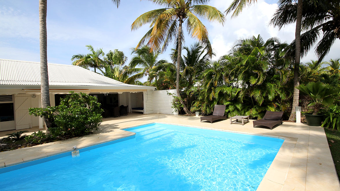 Grande Piscine - Villa Caraïbes - Location de villas et maisons en Guadeloupe - www.villacaraibes.fr