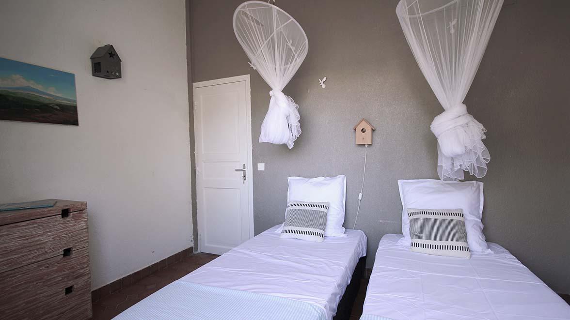Chambre Les oiseaux - Villa Caraïbes - Location de villas et maisons en Guadeloupe - www.villacaraibes.fr