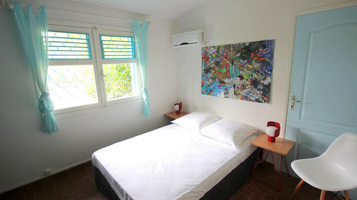 Chambre climatisée - Villa Caraïbes - Location de villas et maisons en Guadeloupe - www.villacaraibes.fr